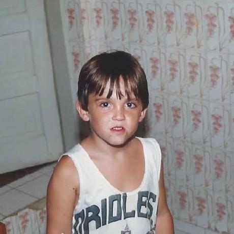 Lucas V. Oliveira